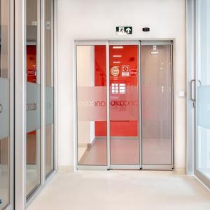 Porta de vidro deslizante automática